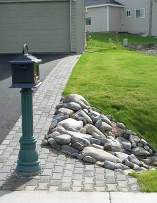 residential-rock-culvert-with-i-brick-paver-driveway-border-b