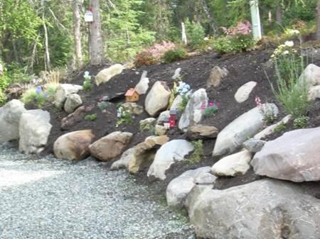 Charmant Residential Perennial Garden Rock Retaining Wall System