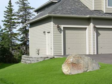 residential-keystone-retaining-wall-system-with-steps-after-a